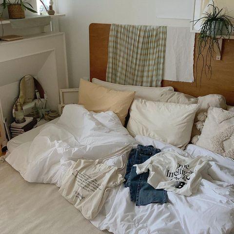 一人暮らしの寝室には韓国インテリア♡