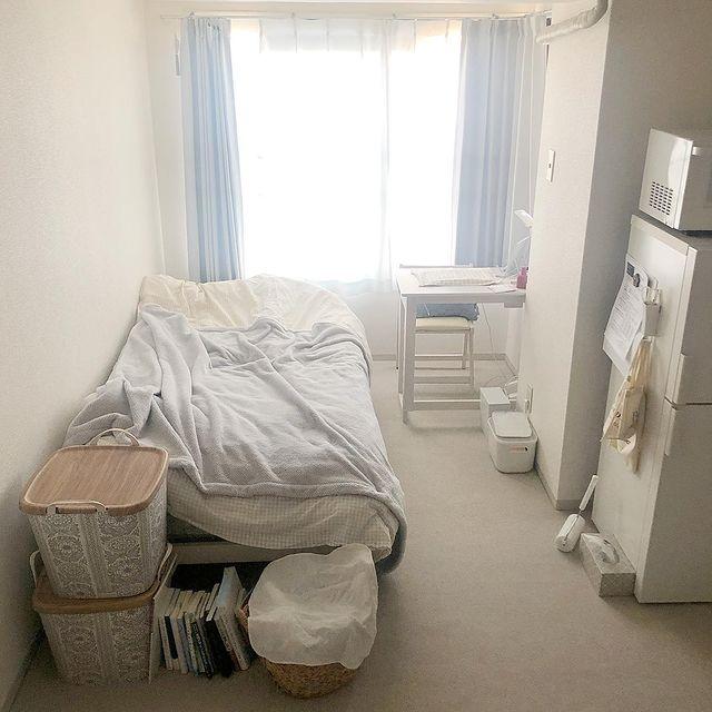 奥行きを生かした寝室レイアウト