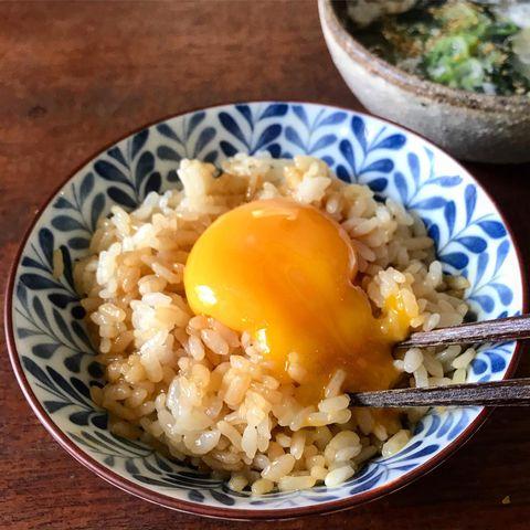 簡単なレシピ!濃厚卵黄めし