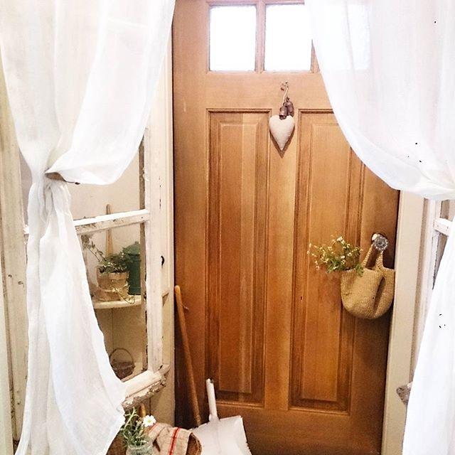 丸見えのリビングを防ぐカーテン