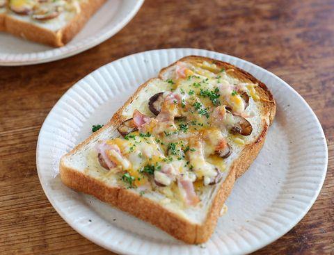 おすすめ!椎茸とベーコンのチーズトースト