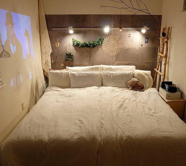 プロジェクターのある寝室レイアウト実例