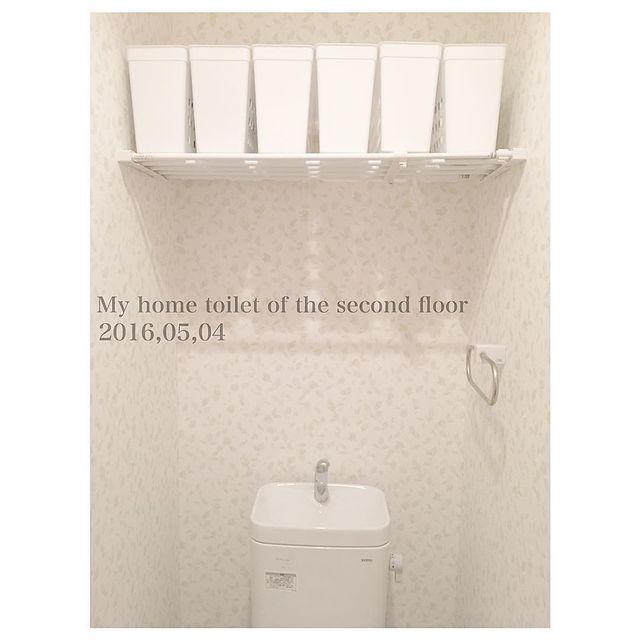 収納がないトイレ 突っ張り棒3