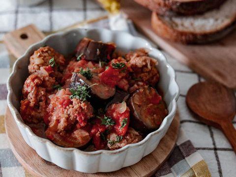大人気!ミートボールとなすのトマト煮込み
