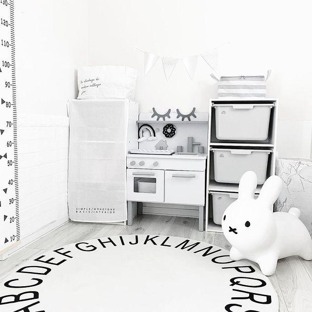 カラーボックスのおもちゃ収納9