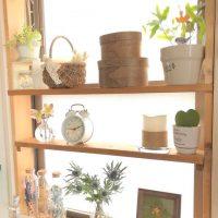 その出窓、おしゃれな収納に使えるかも。デッドスペースを有効活用したアイデア集