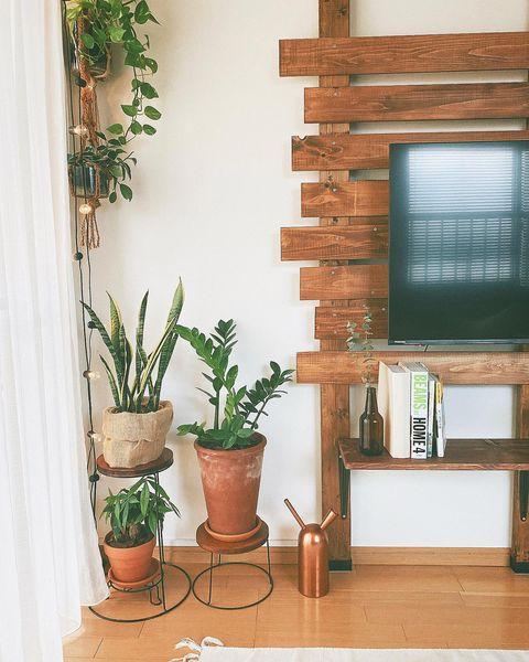 おしゃれに壁掛テレビ