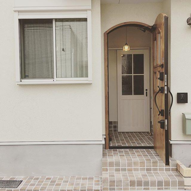 運気を向上する木製ドア