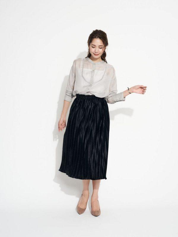 春のモノトーンファッション