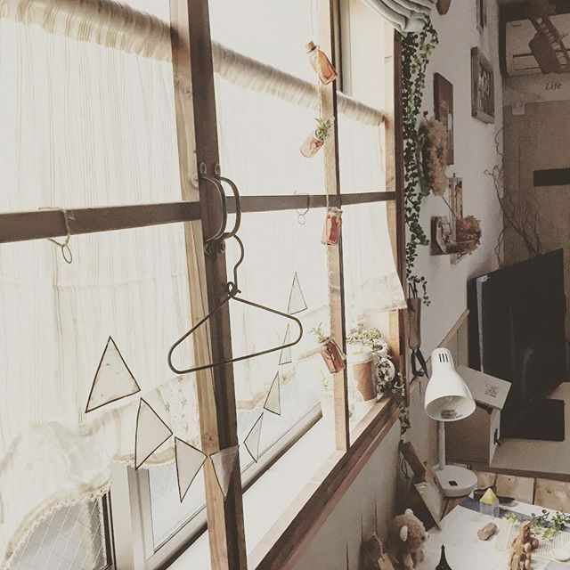 出窓のおしゃれな活用実例《カフェ風》