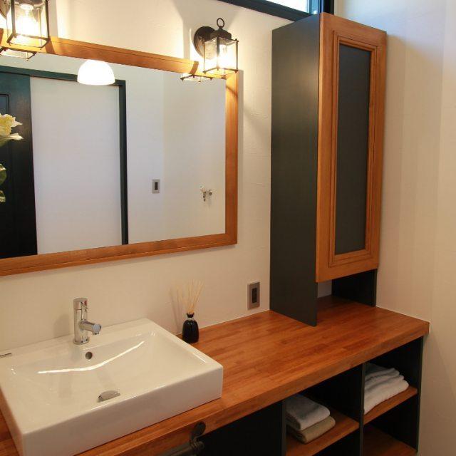 洗面所②洗面所の鏡