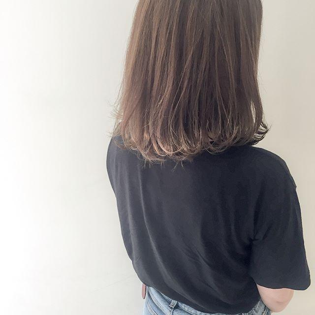 髪色の赤味を抑えるブルーアッシュ