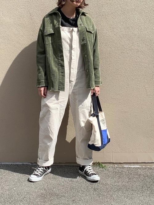 ZARAのシャツ×サロペット