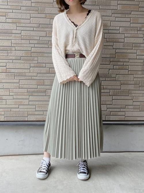 GU透かし編みカーディガンの大人可愛いコーデ