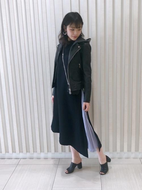 [B'2nd Womens] EZUMi(エズミ)別注アシンメトリーサイドプリーツワンピース