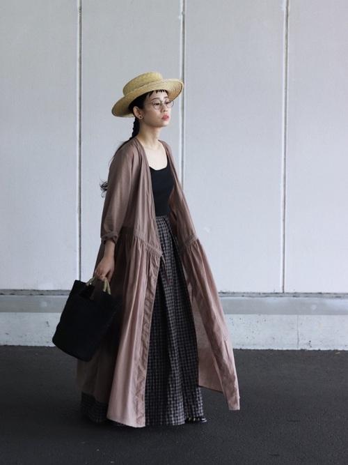 茶色シャツワンピース×スカートの春コーデ