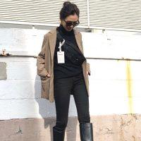 カメラ女子のおしゃれファッション【2021】撮影の邪魔にならない動きやすい服装