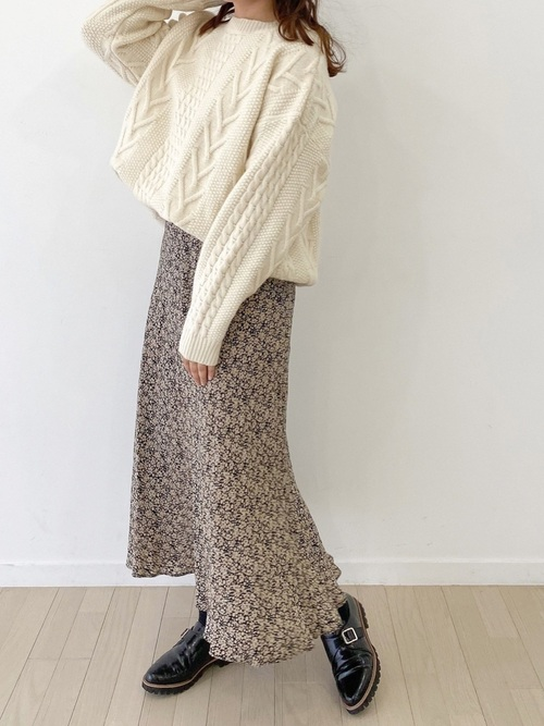 ZARAの花柄ロングスカート