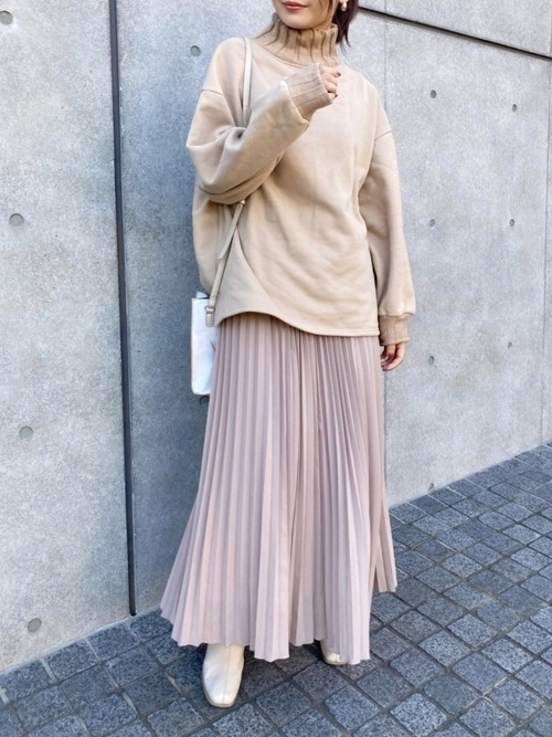 ZARAのプリーツロングスカート