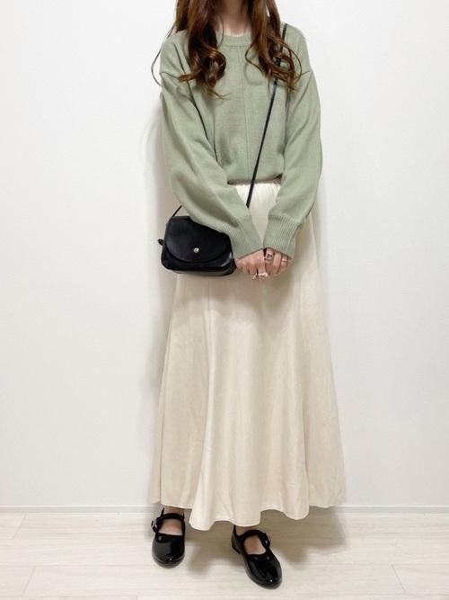GUグリーンセーター