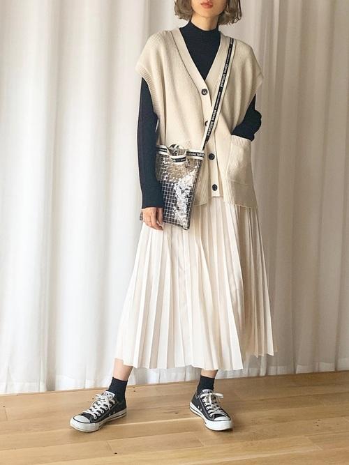 GUのベスト×プリーツスカート