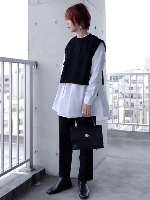 ユニクロ黒パンツ