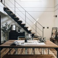 おしゃれなお家は階段までこだわる。リビングや玄関のかっこいいデザイン実例