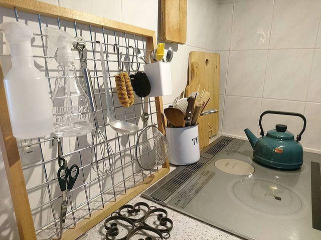 ワイヤーネットで叶うキッチン収納5