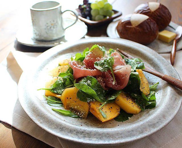 生ハムと柿のルッコラサラダ