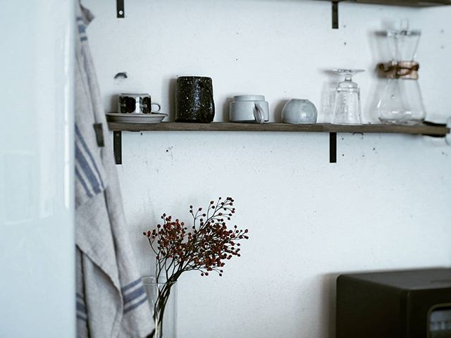 飾り棚の食器ディスプレイアイデア4