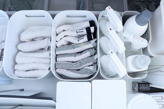 ニトリのボックスでタオルをキッチンに収納
