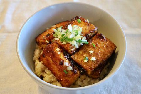 お肉なしでヘルシー!豆腐の生姜焼き丼