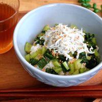 さっぱり食べられる簡単な丼物レシピ。夏以外にも食べたくなる絶品メニュー