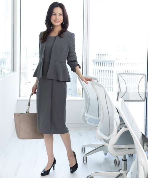 [RUIRUE BOUTIQUE] [GO-TO OUTFIT SERIES]【洗える/消臭/ストレッチ/花粉プロテクト】ぺプラムスーツジャケット/通勤・ビジネス・オフィス・フォーマルシーン対応