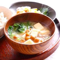 一人暮らしでも味噌汁を飲みたい!ひとり分の具材で作る簡単レシピをご紹介