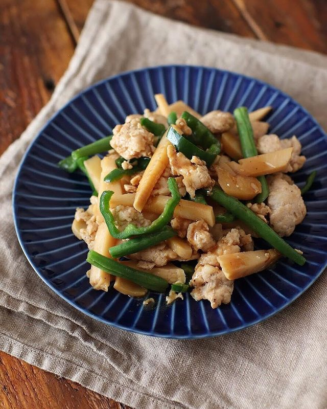 鶏ひき肉で作る青椒肉絲