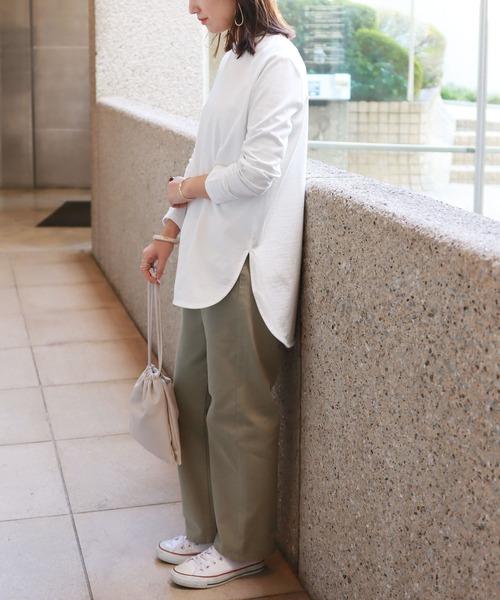 [and Me(アンドミー)] コットン長袖ラウンドヘムTシャツ チュニック 2,290円