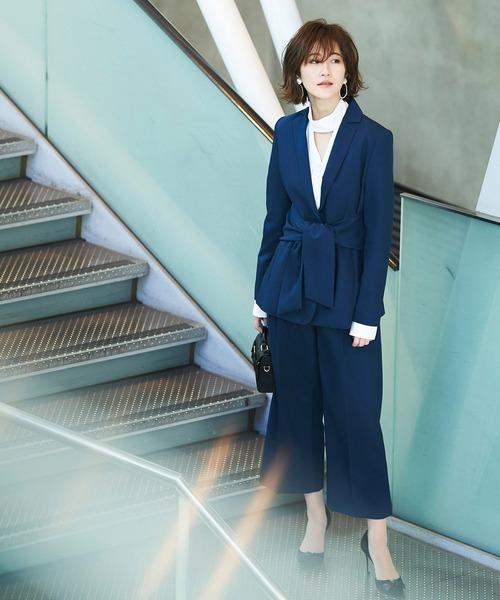 出典:zozo.jp [RUIRUE BOUTIQUE] ウエストリボンジャケット&パンツ2点セットスーツ/お呼ばれ・入学式(入園式)・卒業式(卒園式)・学校行事・通勤・ビジネス・オフィスシーン-ママ対応