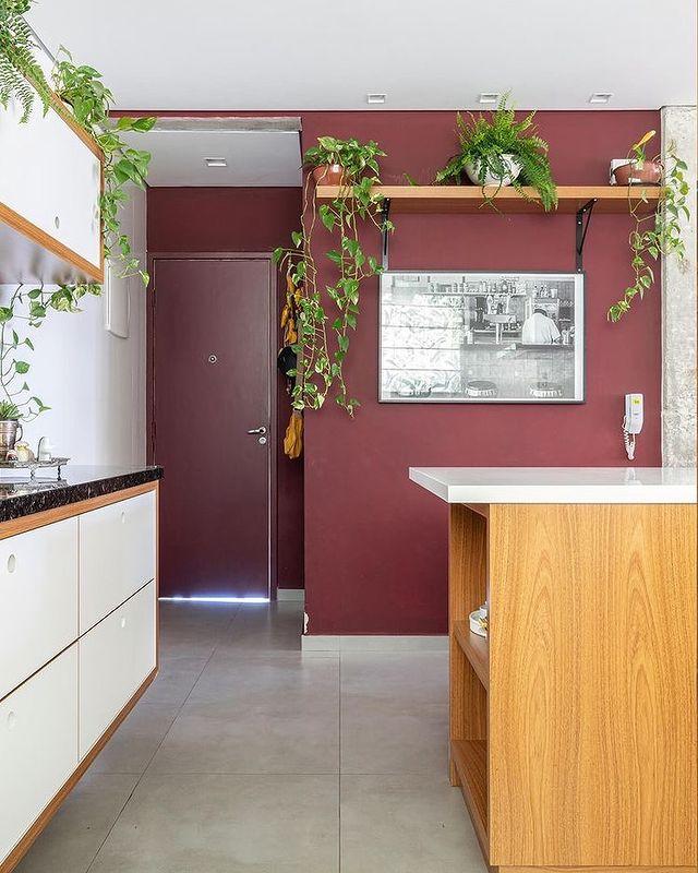 白×ツリアンピンクのキッチン