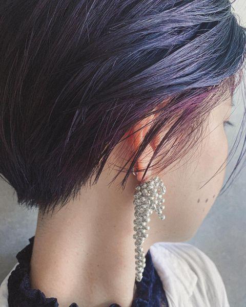 ハイライト効果もある紫のインナーカラー