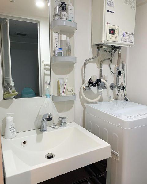 すっきり清潔感のある洗面所インテリア