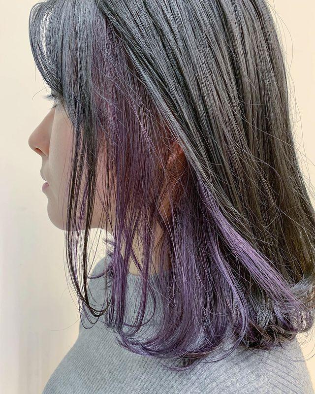 アッシュ系紫のインナーカラー