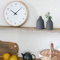 美しいブナ材のフレンチカントリーな「時計」。佇むだけで穏やかな空間に