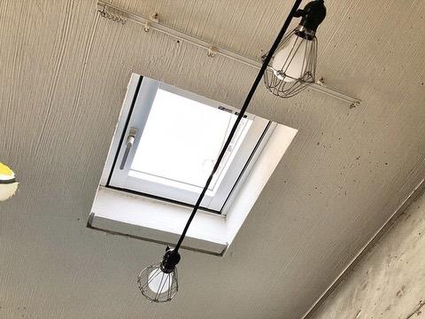 吊り下げタイプの間接照明