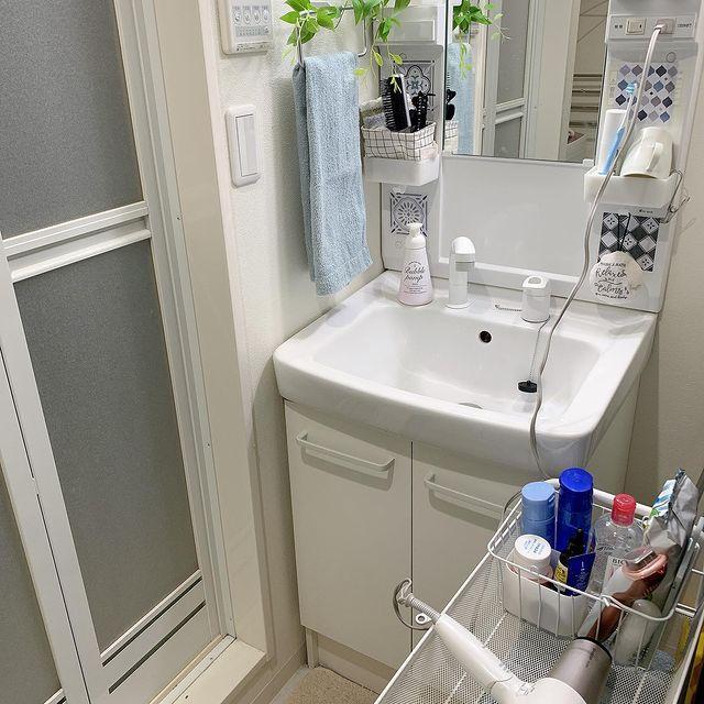 清潔感たっぷりな洗面所インテリア