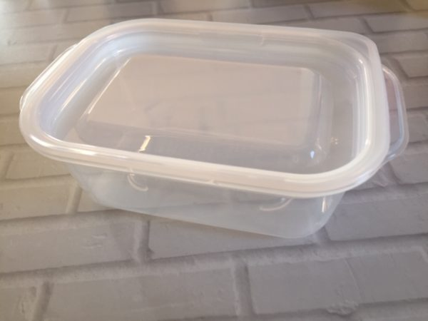 チーズの収納に保存容器が便利