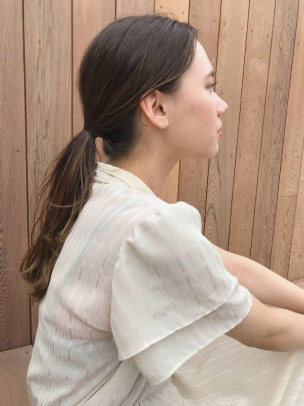 アッシュ系カラーのまとめ髪