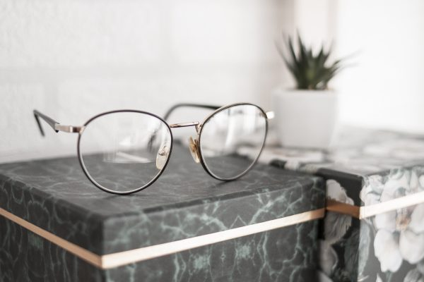 メガネの見せる収納アイデア3