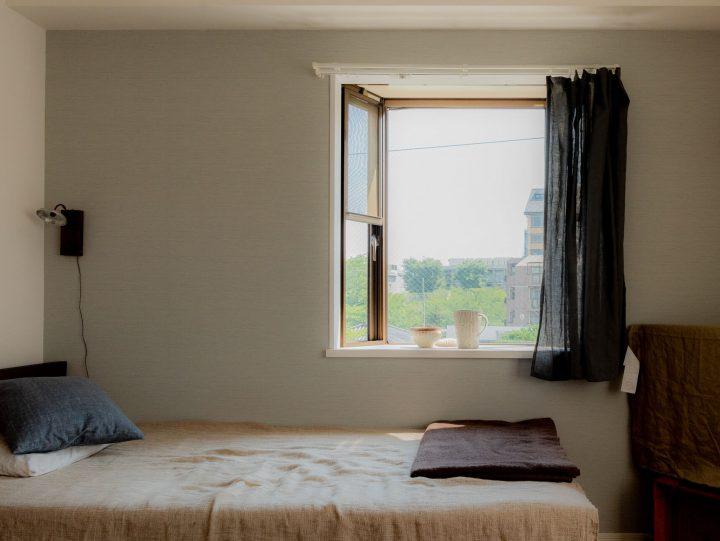 出窓をおしゃれにディスプレイ。上手に飾る6つの実例まとめ