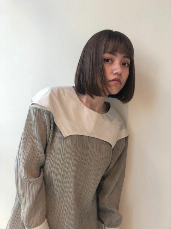 大人女子向けの短め前髪×ボブ9